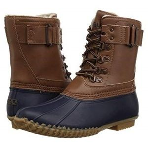 New Women's Navy/Tan Quebec Boots